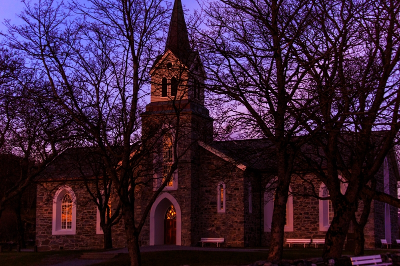 churchInEveningLight