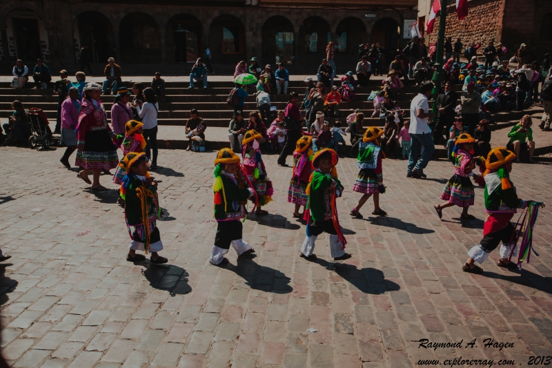 childrensParadeCusco