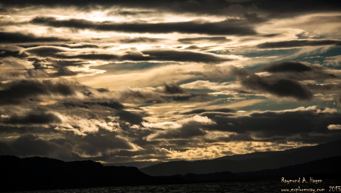 Picture of the day: Clouds at the ocean