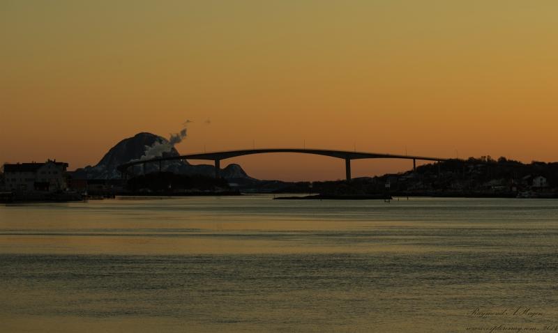 Brønnøysund-sunset-brigde